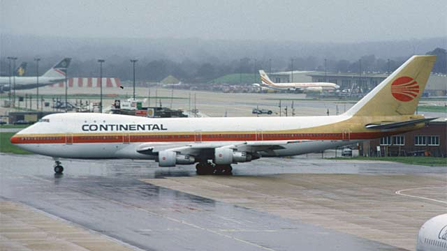 Boeing 747-200 Jumbo Jet - Continental Airlines