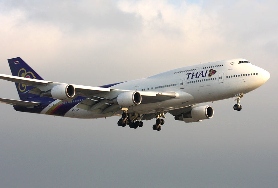 Boeing 747-400 Jumbo Jet - Thai International