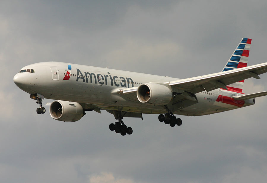 Boeing 777-200ER - American Airlines