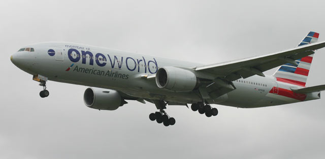 Boeing 777 American Airlines One World