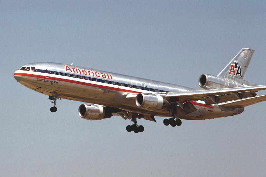 McDonnell Douglas (Boeing) DC-10 American